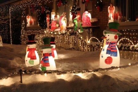 De gezellige decembermaand en de kosten van je kerstverlichting